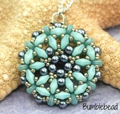 Gwen Pendant Tutorial by BumblebeadCrafts on Etsy https://www.etsy.com/listing/466383108/gwen-pendant-tutorial