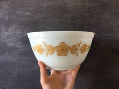 Vintage pyrex butterfly gold pyrex bowl vintage bowl vintage pyrex 402 pyrex bowl yellow pyrex nesting bowls pyrex mixing bowls by Midlovevintage on Etsy https://www.etsy.com/ca/listing/549659923/vintage-pyrex-butterfly-gold-pyrex-bowl