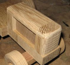 Wooden Tractor Handmade Wooden Toys, Wooden Diy, Western Bar, Wood Toys Plans, Woodworking Projects Diy, Diy Toys, Tractors, Projects To Try, Carpenter