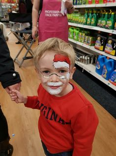 The painted Christmas face. Face Painting Images, Face Painting For Boys, Face Painting Designs, Christmas Face Painting, Christmas Paintings, Tinta Facial, Barbie Party, Santa Face, Maquillage Halloween