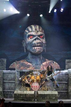 The Official Iron Maiden Website Iron Maiden Live, Iron Maiden Band, Rock Bands, Rock And Roll Bands, Heavy Metal Art, Heavy Metal Bands, Woodstock, Hard Rock, Iron Maiden Mascot