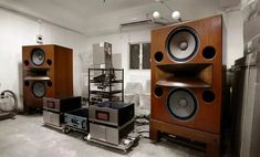 Horn Speakers, Best Speakers, Stacked Washer Dryer, Washer And Dryer, High End Hifi, Home Appliances, Life, Speakers, House Appliances