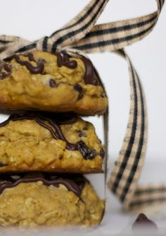 pumpkin-oatmeal chocolate chip cookies