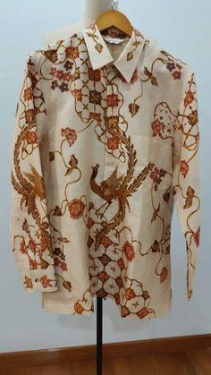 Men shirt made from silk batik Pekalongan for custom order. Shirt is made by Dongengan (Facebook: https://m.facebook.com/dongengan)