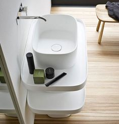 Storage Pedestal Sink This sink has been designed by Monica Graffeo for Italian brand Rexa