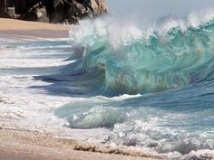 I don't know if those waves are real or Photoshopped, but they're amazing!