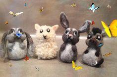 Animales de lana afieltrada, burro de lana, oveja de lana, conejos de lana, animales de la granja de lana, animales Waldorf, animal adorno de Wonderwoolart en Etsy