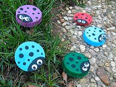 Great ideas for what you can make from a plastic lids.  From The Crafty Crow.  I have begun to follow her pinterest.
