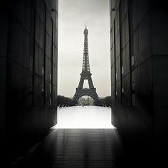http://www.advancedphotography.net/wp-content/uploads/2011/02/eiffel-power.jpg