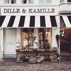 Dille & Kamille in Bruges, Belgium Coffee Shop Design, Cafe Design, Store Design, Store Front Design, Interior Exterior, Exterior Design, Cafe Exterior, Restaurant Exterior, Exterior Signage