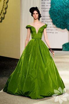 Ulyana Sergeenko 2013 Haute Couture İlkbahar Yaz Koleksiyonu... - Kadınca Hayat - HTHayat Galeri   Sayfa: 27
