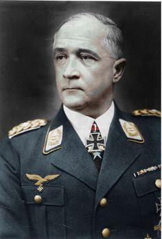 ✠ Robert Ritter von Greim (22 June 1892 – 24 May 1945) Committed suicide with a cyanide capsule. RK 24.06.1940 Generalleutnant K.G. V. Flg.K. + 02.04.1943 [216. EL] Generaloberst Befh. Luftflotten-Kdo. Ost + 27.08.1944 [92. Sw] Generaloberst OB Luftflotte 6