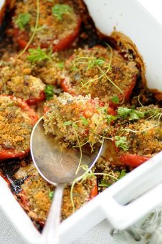 provencalske tomater - bagt i ovn med rasp, hvidløg, persille, salvie og timian (fra Kirsten Skaarup's blog Kødfri fredag)