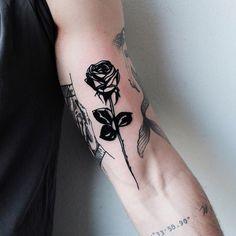 32 Most Beautiful Tattoo Ideas - Page 14 of 31 - Tattoo Designs Mini Tattoos, Body Art Tattoos, Small Tattoos, Tattoos For Guys, Black Rose Tattoos, Subtle Tattoos, Pretty Tattoos, Beautiful Tattoos, Black Art Tattoo