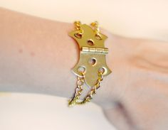 ...love Maegan ~ DIY Hinge Bracelet w/ Gold Chains