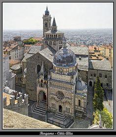 ITALY, Bergamo, Città Alta - Piazza Duomo dalla Torre Civica (detta il Campanone)   Flickr - Photo Sharing!