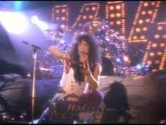 Kiss - Reason to live 1987. Yep kiss doing a power ballad. Gene simmons camera states. CREEPY! And paul stanley dancing. Hhhmm ERIC CARR on drums. Suprisingly this song goes ok.