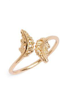 Trending for spring and summer   leaf design midi ring.