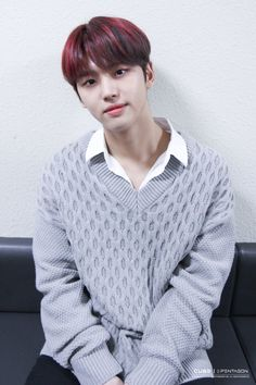 boyfriend looks 😍 Pentagon Hongseok, Seoul Korea, Kpop Boy, Men Sweater, Boyfriend, Turtle Neck, Boys, Shape, Idol