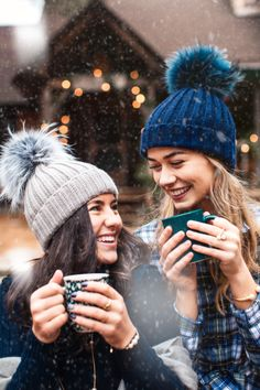 Anchored In New England Friend Senior Pictures, Best Friend Pictures, Bff Pictures, Teen Photography, Winter Photography, Bff Goals, Best Friend Goals, Tumblr Bff, Girl Photo Poses