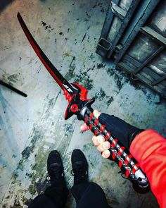 Ninja Weapons, Anime Weapons, Fantasy Weapons, Pretty Knives, Cool Knives, Swords And Daggers, Knives And Swords, Armas Ninja, Cool Swords