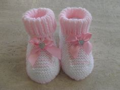 Hand Knitted Baby Girl Winter Slippers/Booties от MarilynsCreation, €3.00