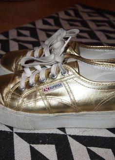 À vendre sur #vintedfrance ! http://www.vinted.fr/chaussures-femmes/baskets/30765236-baskets-superga-dorees