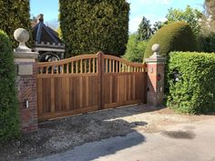 As one of the leading electric gate design & installation companies covering Surrey, Berkshire & London. We are recognised as an authority on electric gates