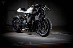 Custom Yamaha XJR1200 by it roCkS!bikes Portugal - Moto Rivista