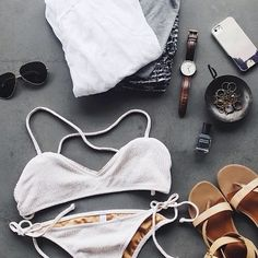 Beach outfit String Bikinis, Flats, Beach, Swimwear, Outfits, Fashion, Dental Floss, Loafers & Slip Ons, Bathing Suits