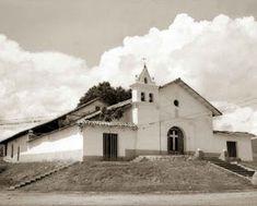 Educación, taco, gambeta y rabona: TRANSFORMACIÓN HISTÓRICA DE CALI (Fotos) Cali Colombia, Notre Dame, Taco, Mansions, House Styles, Building, Travel, Cartagena, Antique Photos