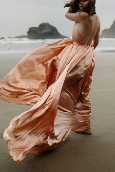 39 Breathtaking Coastal Bridal Looks | HappyWedd.com