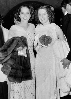 Merle Oberon and Norma Shearer at the premiere of Wuthering Heights, 1939     https://classichollywoodstuff.tumblr.com/post/149185667167/photoset_iframe/classichollywoodstuff/tumblr_oal69azoF11urrety/500/false
