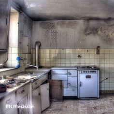 Markus Medinger Picture of the Day | Bild des Tages 15.03.2016 | www.mkmedi.de #mkmedi  #365picture #365DailyPicture #pictureoftheday #bilddestages #landscape  #instagood #photography #photo #art #photographer #exposure #composition #focus #capture #moment  #küche #kitchen #urbanexploring #urbanexplorer #urbex #urban  #siegelhausen #marbach #ludwigsburg #badenwuerttemberg #germany #deutschland #europa  @badenwuerttemberg @visitbawu @srs_germany @srs_buildings
