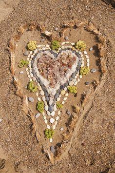 Land art with natural loose materials - Fantasifantasten ≈≈