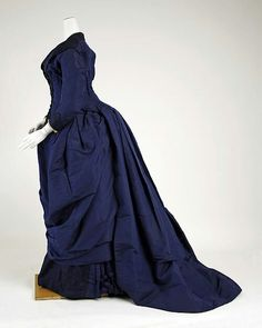French Afternoon Dress, circa 1886. Imagine how exquisite this midnight blue dress would look with sapphire jewelry! Source: MET. #Victorian #Fashion