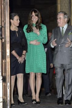 PHOTOS: Kate Middleton Baby Bump Photo Gallery!!!!!