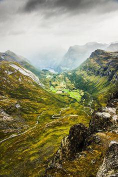 Dalsnibba mountain towards Geiranger | Norway (by David...