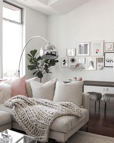 Currently crushing on: Marianna Hewitt's LA home style — The Decorista