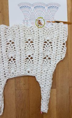 kreativ häkeln Strandbekleidung Top Bikini Bolero Mütze Abendbekleidung Accessoires creativ vestido crochê saida de praia biquini touca beanie arte - Best Hair Styles EVER Crochet Tank Tops, Crochet Bikini Top, Crochet Blouse, Crochet Top, Diy Crafts Knitting, Diy Crafts Crochet, Crochet Chart, Easy Crochet Patterns, Knitting Designs