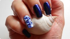 VIDEO-TUTORIAL: http://www.youtube.com/watch?v=1A8G_4XSnVk POST SUL BLOG: http://www.soffiodidea.com/2013/11/nail-art-onde-marble.html