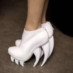 quando metterai  queste scarpe il posto migliore da andare è dal dentista