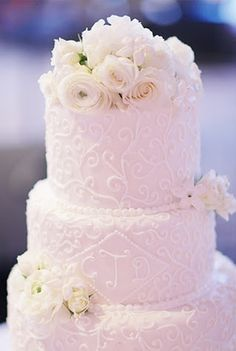 wedding cake monogram and flowers | ... Wedding Cake with Royal Icing Piping and Monogram, and Fresh Flowers