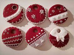Christmas Themed Cake, Christmas Cake Decorations, Christmas Party Food, Xmas Food, Christmas Cupcakes, Christmas Love, Christmas Countdown, Fun Cookies, Gingerbread Cookies