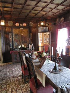 Hammond Castle, dining room by krugergirl26, via Flickr Hammond Castle, Castle Rooms, Gothic Castle, English Decor, Ancient Buildings, William Morris, Pretty Pictures, New England, Castle Interiors