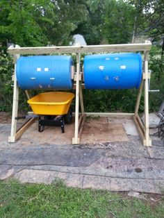 My new compost tumbler I made for my wife for mother's day. My new compost t Compost Barrel, Garden Compost, Composting Methods, Worm Composting, Diy Compost Tumbler, Diy Compost Bin, Alternative Energie, How To Make Compost, Garden Projects