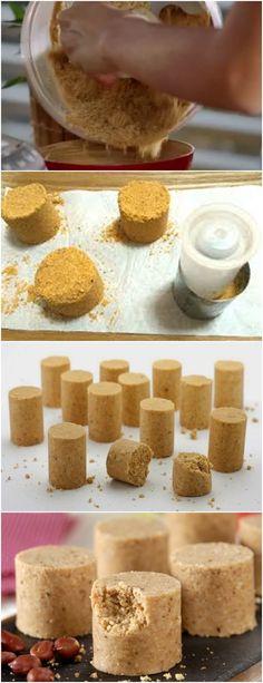 GOSTO MUITO DESSE DOCINHO…MINHA MÃE SEMPRE FAZIA EM CASA PARA NÓS ERA UMA FESTA!! VEJA AQUI>>>Leve o amendoim ao forno por 5 minutos No processador, bata por 2 minutos o amendoim e misture os outros ingredientes #receita#bolo#torta#doce#sobremesa#aniversario#pudim#mousse#pave#Cheesecake#chocolate#confeitaria