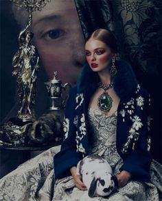 The worlds of interiors and fashion come together to revel in the extravagant materials and intricate ornamentation of baroque. Baroque is one of the fall sea… Look Fashion, Fashion Art, Editorial Fashion, Womens Fashion, Magazine Editorial, Crazy Fashion, Glamour Magazine, Fashion Shoot, Mode Baroque