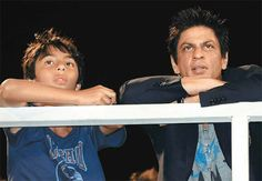Shahrukh Khan Counsels His Son Aryan Not To Break A girl's Heart! | Celebs Life - Celebrity & Entertainment n News