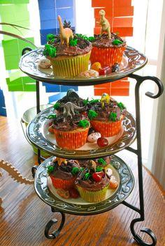 Cupcakes at a Dinosaur Party #dinosaur #partycupcakes